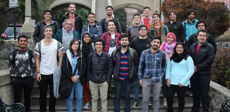 Alumnos de Feria de Software USM participan en mentorías grupales dictada por la Red de Mentores 3IE